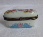 Limoges Trinket Pill Box Chani Paris, porcelain