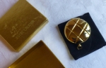 Estee Lauder golden quilted Lucidity powder compact