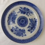 Chinese blue Fitzhugh dinner plate 9 5/8 19th century porcel