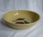 Watt Pottery 2 Leaf Apple 24 Spaghetti Bowl