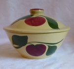 Watt Pottery 2 Leaf Apple #67 Casserole