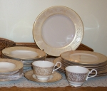 Franciscan Renaissance Gold, 24 pce dinnerware service for 4