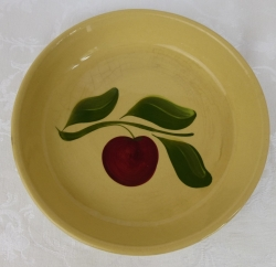 Watt Pottery Red Apple 33 pie plate